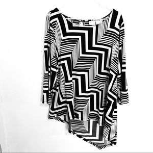 Chico's Black & White Asymmetrical Hemline Top 3X